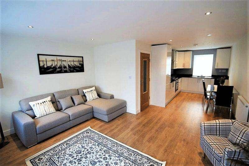 3 Bedrooms Terraced House for sale in Eden Street, Rochdale OL12 6SN