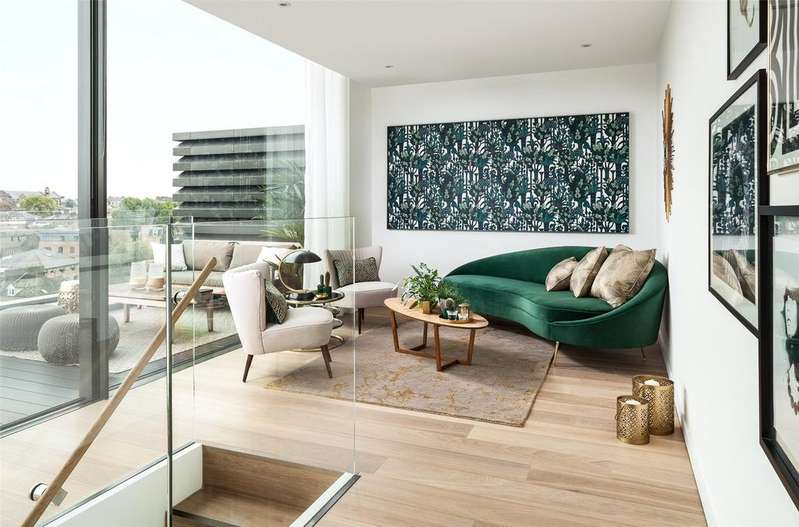 3 Bedrooms Penthouse Flat for sale in The Maple Building, 39-51 Highgate Road, London, NW5