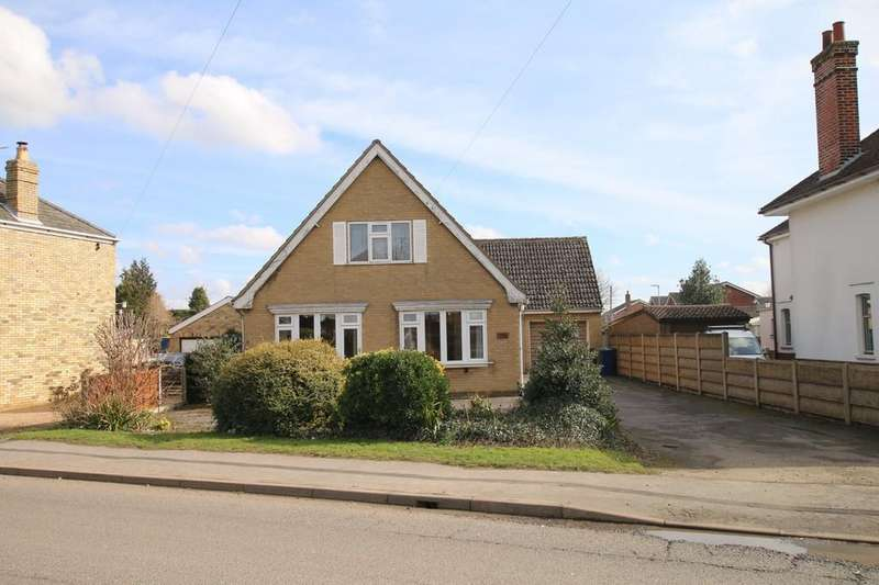 2 Bedrooms Detached Bungalow for sale in London Road, Chatteris