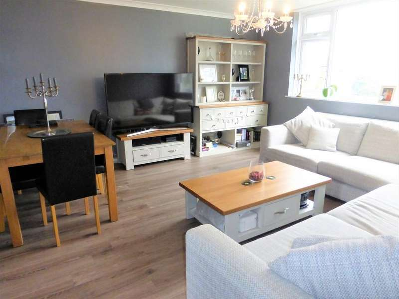 2 Bedrooms Flat for sale in Farleigh Lane, Maidstone