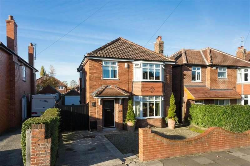 3 Bedrooms Detached House for sale in Woodlands Grove, York, YO31