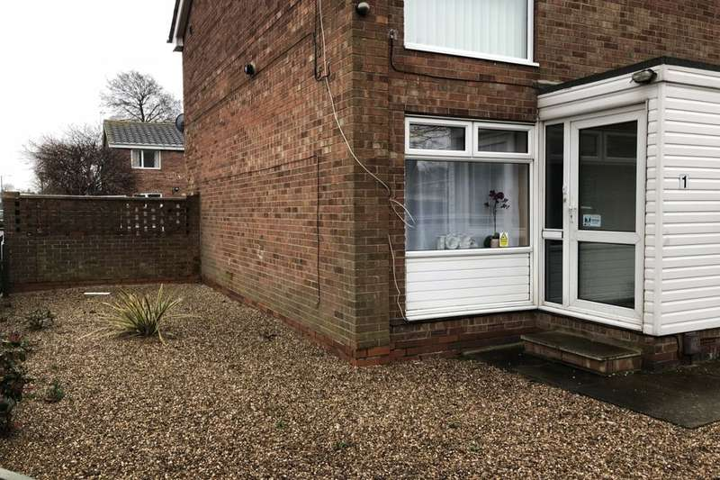 2 Bedrooms Flat for rent in Oliver Court, Grimsby, DN31