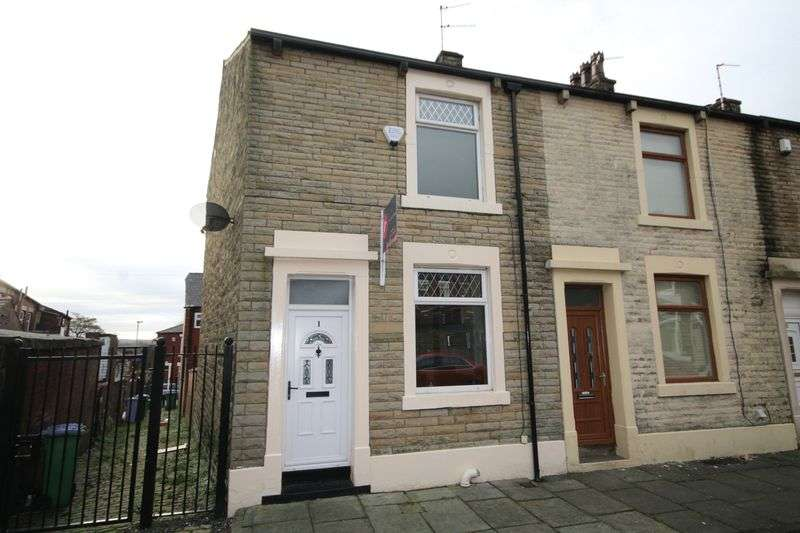 2 Bedrooms Property for rent in Edenfield Street Meanwood, Rochdale