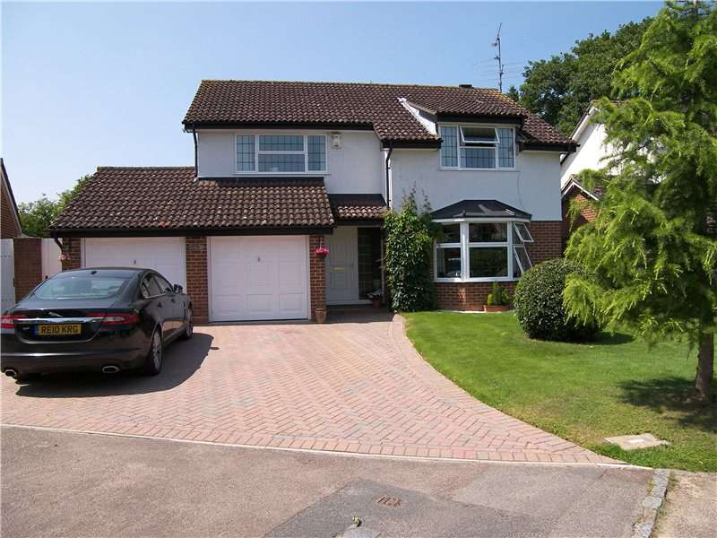 4 Bedrooms Detached House for rent in Gingells Farm Road, Charvil, Berkshire, RG10