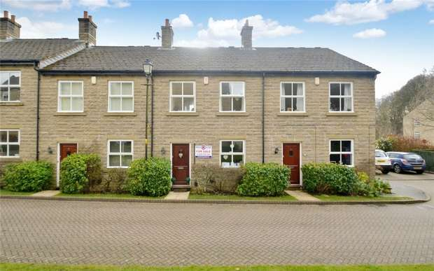 3 Bedrooms Terraced House for sale in Hamson Drive, Bollington, Macclesfield, Cheshire