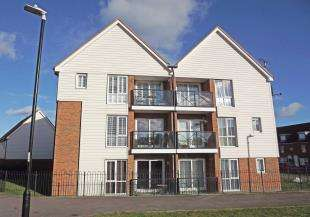 2 Bedrooms Flat for sale in Crocus Drive, Eden Village, Sittingbourne, Kent