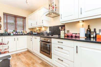 4 Bedrooms End Of Terrace House for sale in Exeter