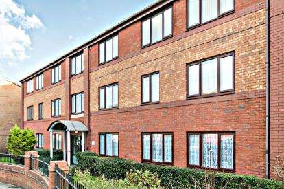2 Bedrooms Flat for sale in Greenway Road, Tranmere, CH42