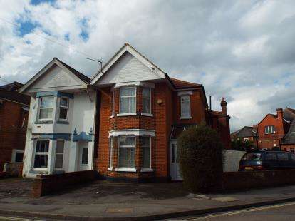 8 Bedrooms Semi Detached House for sale in The Polygon, Southampton, Hampshire