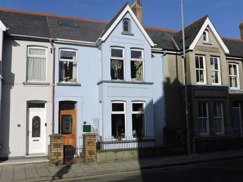 4 Bedrooms Town House for sale in Vergam Terrace, Fishguard