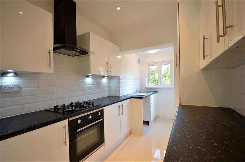 4 Bedrooms Terraced House for sale in Dagmar Avenue, Wembley, Middlesex, HA9 8DQ