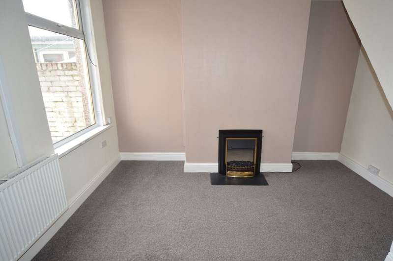 2 Bedrooms Terraced House for sale in Mosley Street, Barrow-in-Furness, Cumbria, LA14 2AZ