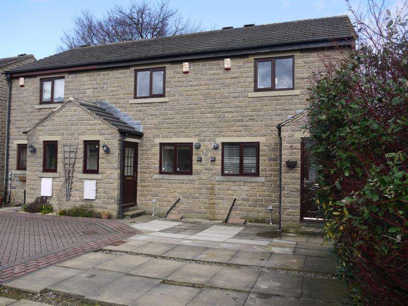 2 Bedrooms Terraced House for rent in 8 Wharfedale Mews, Otley, LS21 1SS