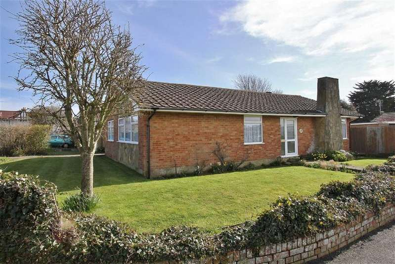 3 Bedrooms Detached Bungalow for sale in Chesterton Drive, Seaford