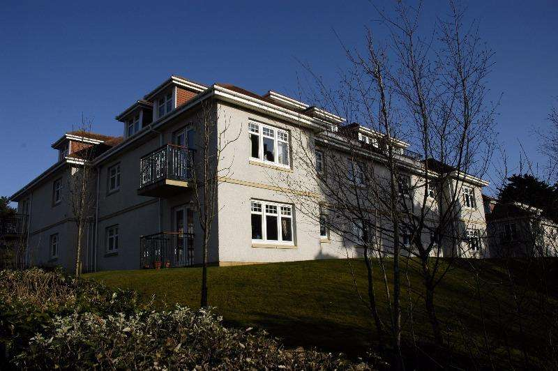 2 Bedrooms Flat for rent in Milton Wynd, Turnberry, South Ayrshire, KA26 9LG