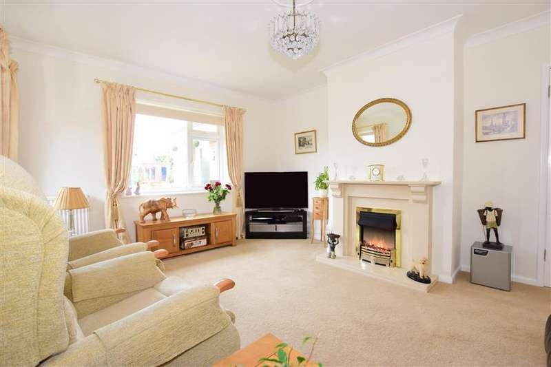 3 Bedrooms Bungalow for sale in Pondwell Close, Pondwell, Ryde, Isle of Wight