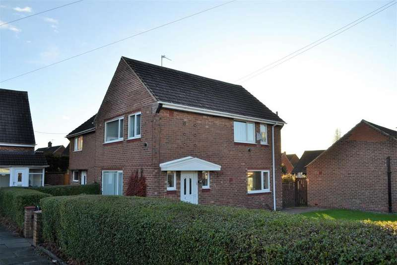 3 Bedrooms Semi Detached House for sale in Clovelly Road, Hylton Castle, Sunderland