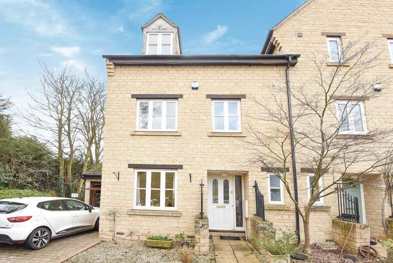 4 Bedrooms House for sale in Grangers Place, Witney, OX28
