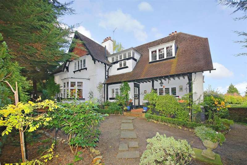 5 Bedrooms Detached House for sale in Watford Road, Radlett