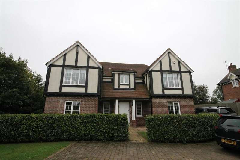 5 Bedrooms House for rent in Meadow View, Redbourn, St. Albans