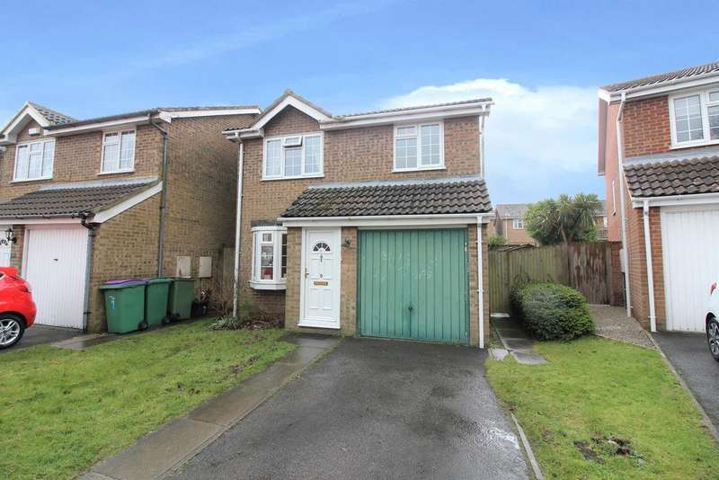 3 Bedrooms Semi Detached House for sale in Newbury Close , Folkestone , Kent CT20 3SH