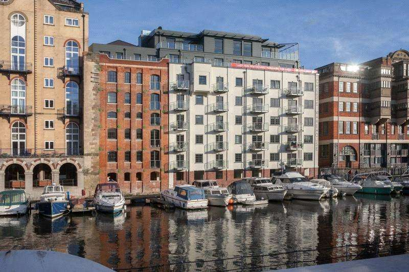 3 Bedrooms Penthouse Flat for sale in Huller Cheese, Redcliff Backs, Bristol, BS1