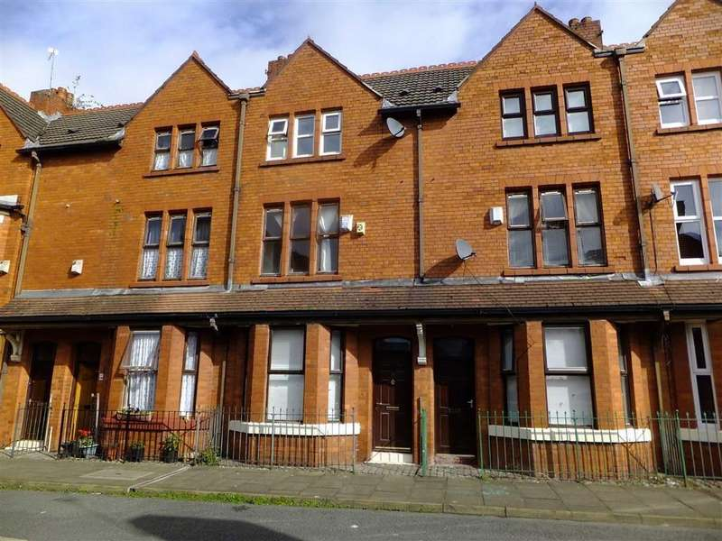 3 Bedrooms Terraced House for sale in Coronation Street, Salford