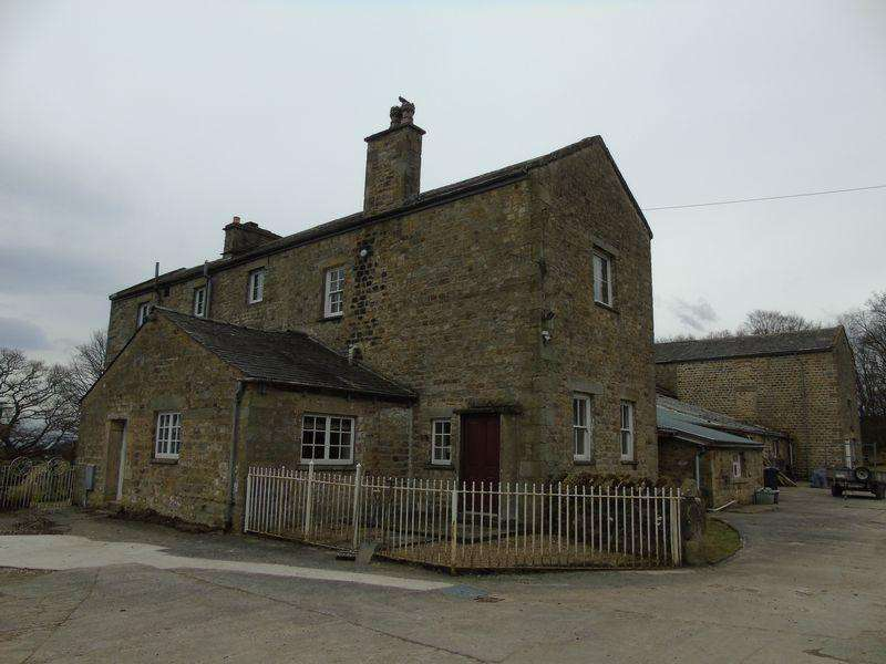 2 Bedrooms Cottage House for rent in Home Farm, Quernmore Park