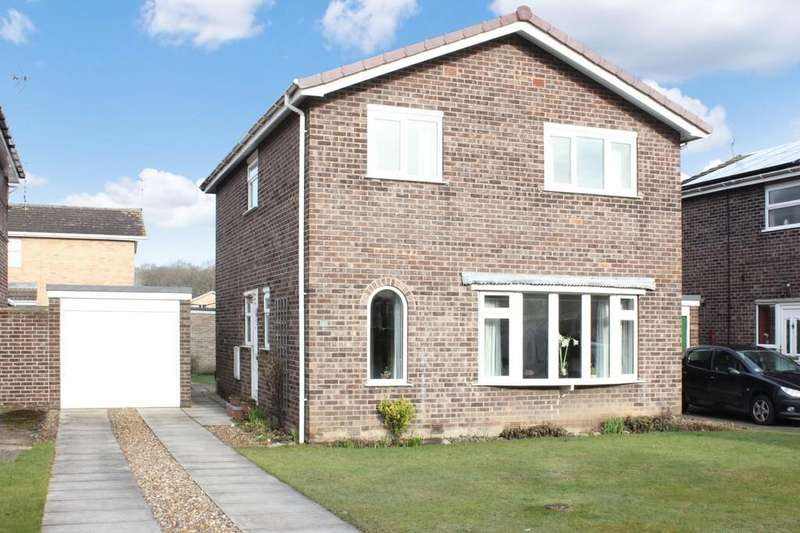 4 Bedrooms Detached House for sale in 1 Stonethwaite Woodthorpe York YO24 2SY