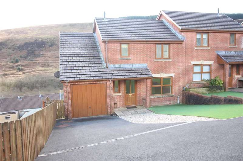 4 Bedrooms Semi Detached House for sale in Cambrian View, Howard St, Tonypandy