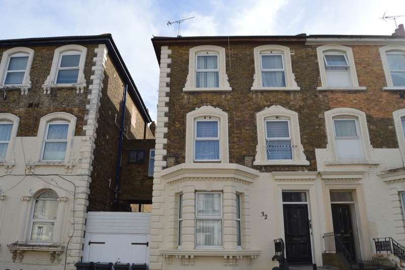 7 Bedrooms Semi Detached House for sale in Athelstan Road, Margate, CT9