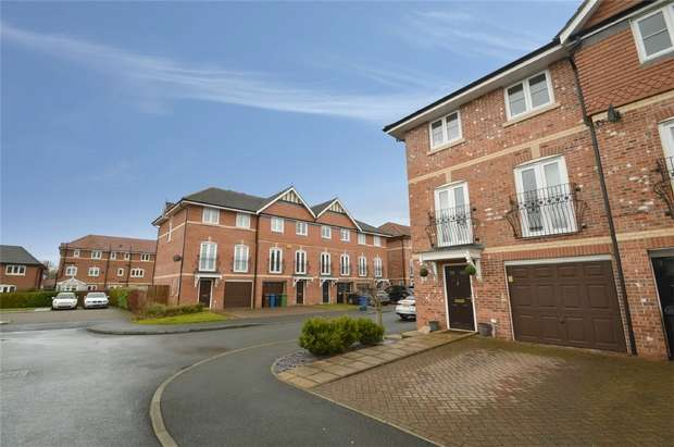4 Bedrooms End Of Terrace House for sale in Lawnhurst Close, Cheadle Hulme, Cheadle, Cheshire