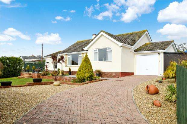 3 Bedrooms Detached Bungalow for sale in Ashleigh Drive, Teignmouth, Devon