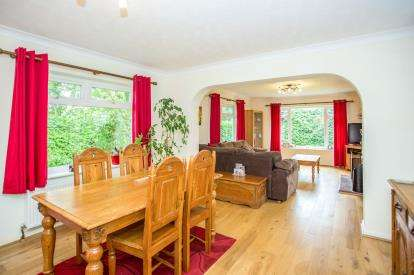 4 Bedrooms Bungalow for sale in St. Olaves, Great Yarmouth, Norfolk