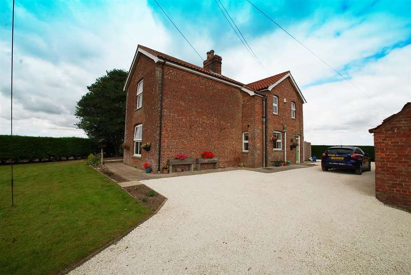 3 Bedrooms Detached House for sale in The Farm House, Pinchbeck Farm, Croft Bank, Croft