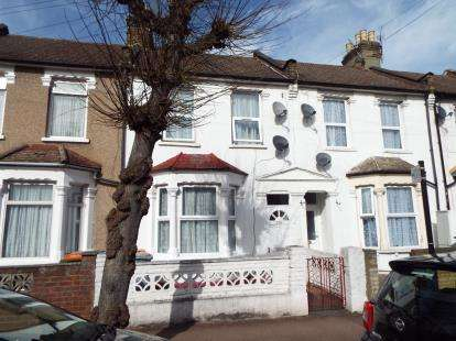 Terraced House for sale in Manor Park, London