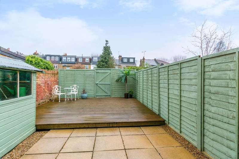 2 Bedrooms House for sale in Clifden Road, Brentford, TW8