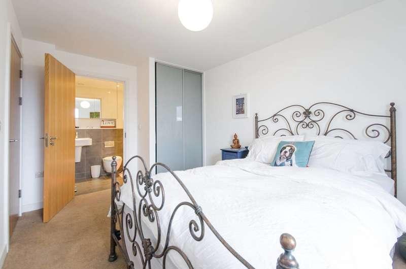 2 Bedrooms Flat for rent in Conington Road, Deptford, SE13