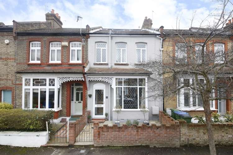 4 Bedrooms House for sale in Eversley Road London SE7