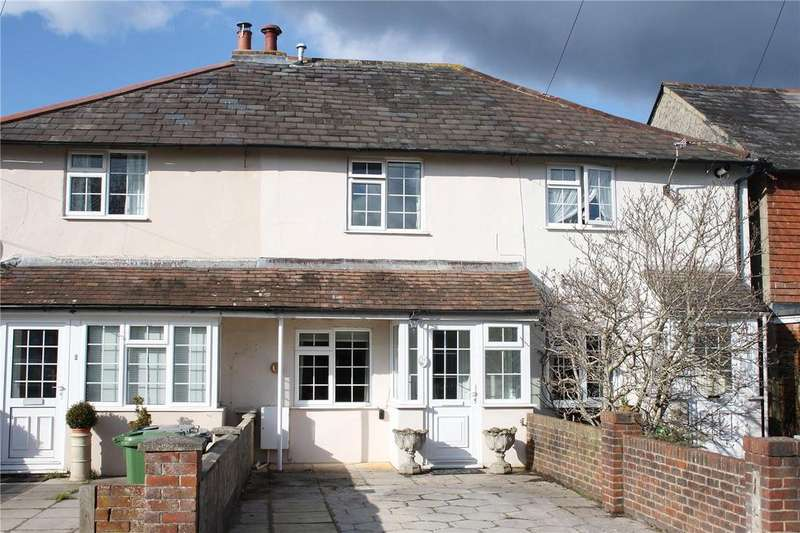 2 Bedrooms Terraced House for rent in Borough Hill, Petersfield, Hampshire, GU32