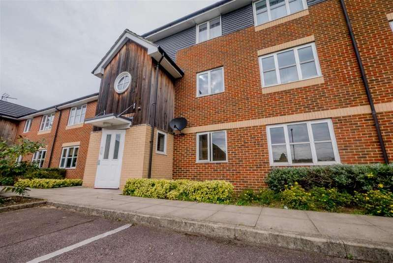 1 Bedroom Flat for sale in Wenham Place, Hatfield