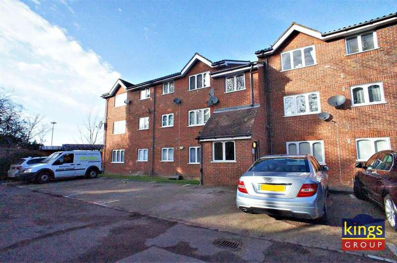 Studio Flat for sale in Howard Close, Waltham Abbey