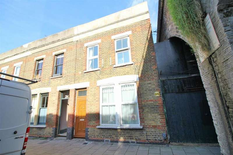 3 Bedrooms House for sale in Beck Road, London