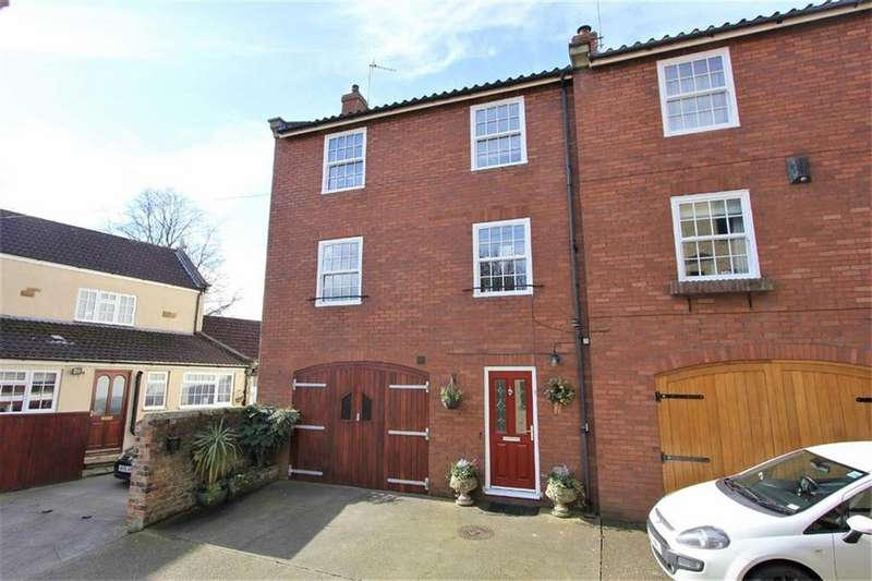 3 Bedrooms Semi Detached House for sale in Golden Lion Mews, Stokesley