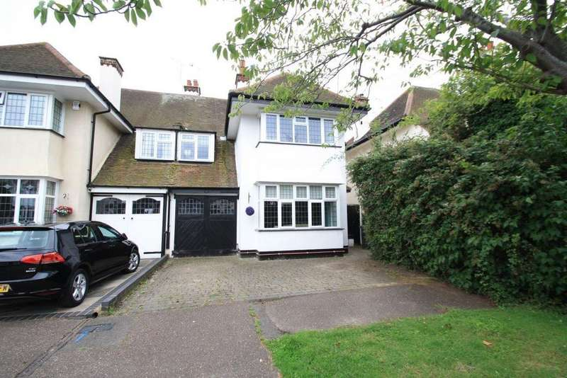 4 Bedrooms House for rent in Thames Close, Leigh on Sea
