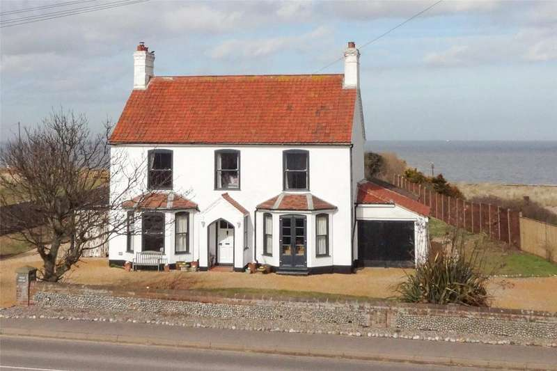 4 Bedrooms Detached House for sale in Walcott Road, Bacton, Norfolk, NR12
