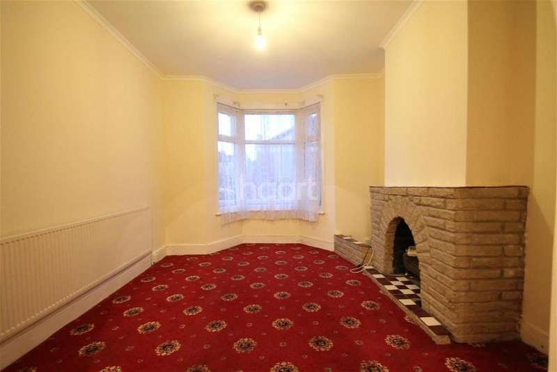3 Bedrooms Terraced House for rent in Ashville Road, E11