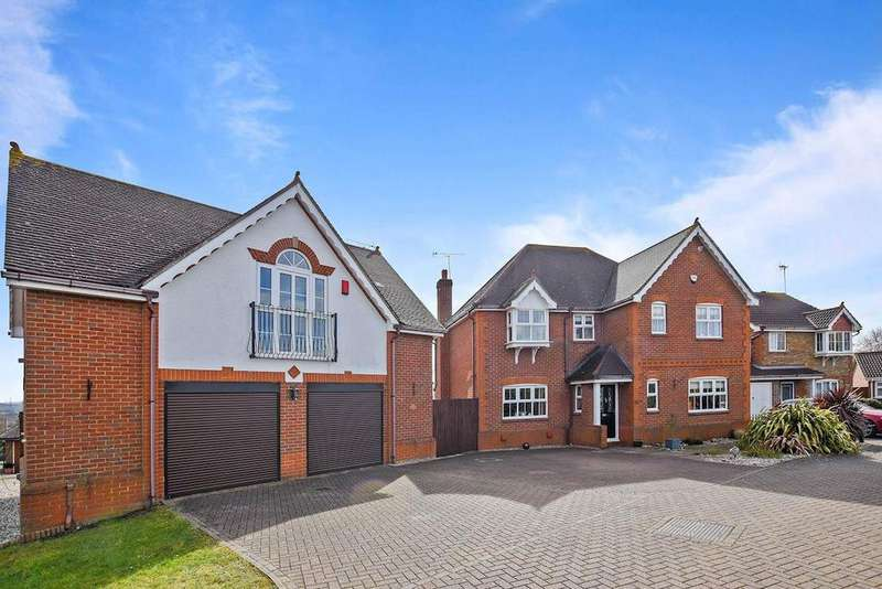 4 Bedrooms Detached House for sale in Chancellor Avenue, Springfield, Chelmsford