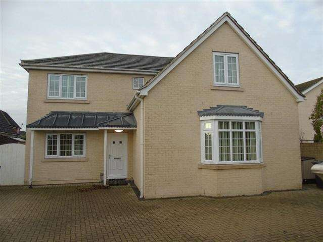 4 Bedrooms Detached House for rent in Boundary Road, Red Lodge