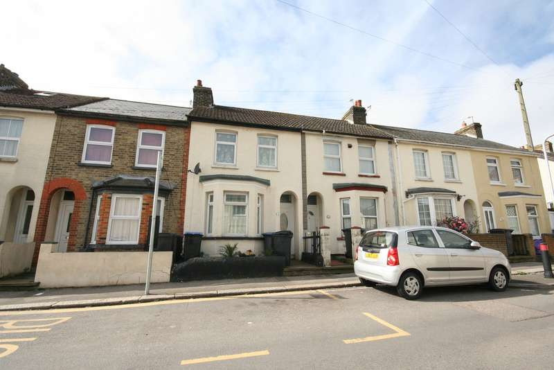 3 Bedrooms Terraced House for rent in South Road, Dover CT17